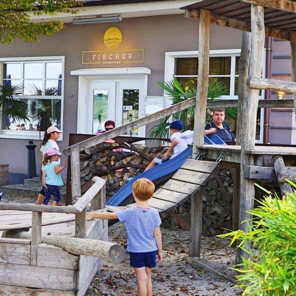 Ammersee Restaurant Fischer, Ammersee mit Kind, kinderfreundliches Restaurant, Ausflug mit Kind, Münchener Umland, recommended by the urban kids