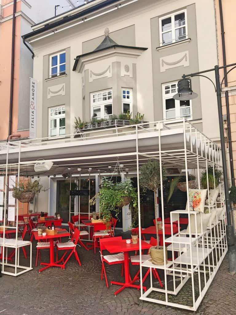 Kinderfreundliches Restaurant in Bozen, Südtirol, Italien, Hochstuhl vorhanden