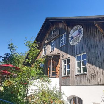 Hermannsdorfer Landwerkstätten in Glenn bei München, kinderfreundlicher Bauernhof