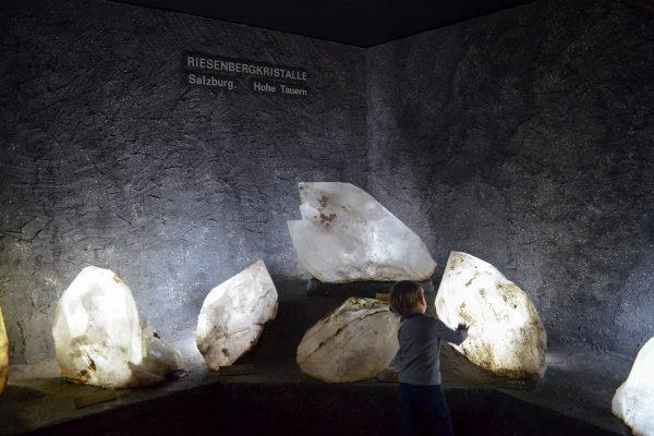 Kindergerechtes Museum Haus der Natur mit Kindern in Salzburg; Kristallwelt