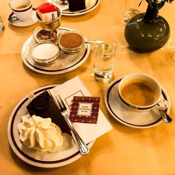 Sachertorte im Café Sacher