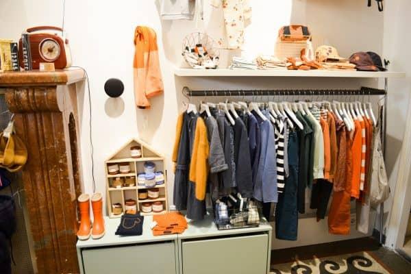 Small Heroes Kinderladen und concept store in Salzburg mit Kind; trendy Kindermode