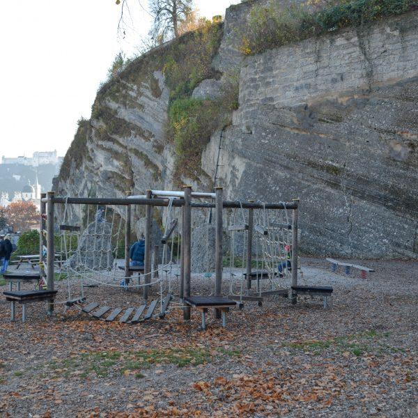 Spielplatz Kletterparcours Müllner Schanze in Salzburg mit Kindern