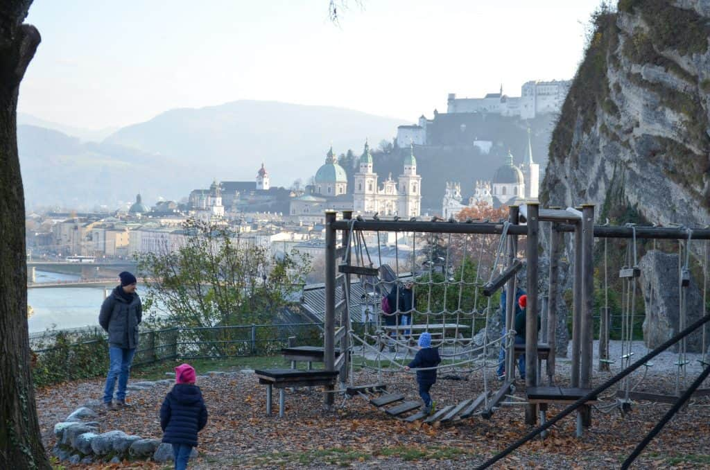 Spielplatz Kletterparcours Müllner Schanze in Salzburg mit Kindern -the urban kids