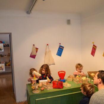 Familienausflug ins Spielzeugmuseum Salzburg mit Kindern; Kaufladen