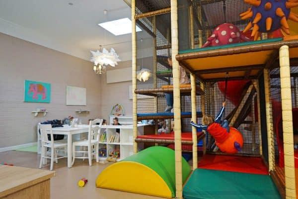 Kipken Kindercafé in Düsseldorf-Zoo, kinderfreundlicher Indoor-Spielplatz