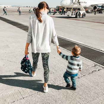 Ausstattung für den Flug mit Kindern, the urban kids