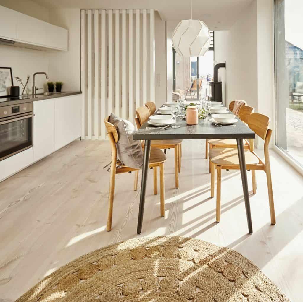 familienfreundliche Ferienhäuser an der Ostsee_The Villas Fehmarn; große Küche