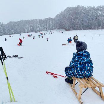 Skigebiet Kreuzmöslberg bei Starnberg, Rodeln und Skifahren mit Kind, Münchener Umland