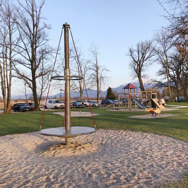 Familienausflug, Chiemsee mit Kind, Spielplatz am Südufer in Übersee