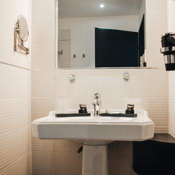Familienfreundliches Hotel in Nimes - APPARTCITY mit zentraler Lage und Familienzimmer - Badezimmer