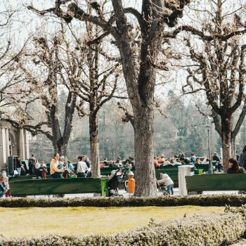 Münsterplattform mit Café und Spielplatz in Bern