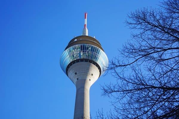 Familienausflugsziel Fernsehturm Düsseldorf, kinderfreundlicher Ausflug und Highlight für die ganze Familie