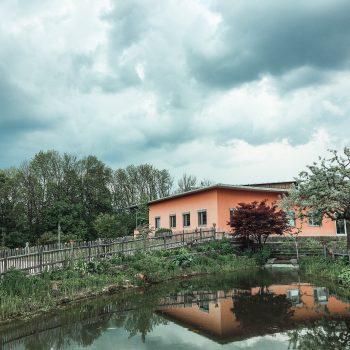 Familienausflug zum WELEDA Erlebniszentrum - Führung durch den Heilpflanzengarten