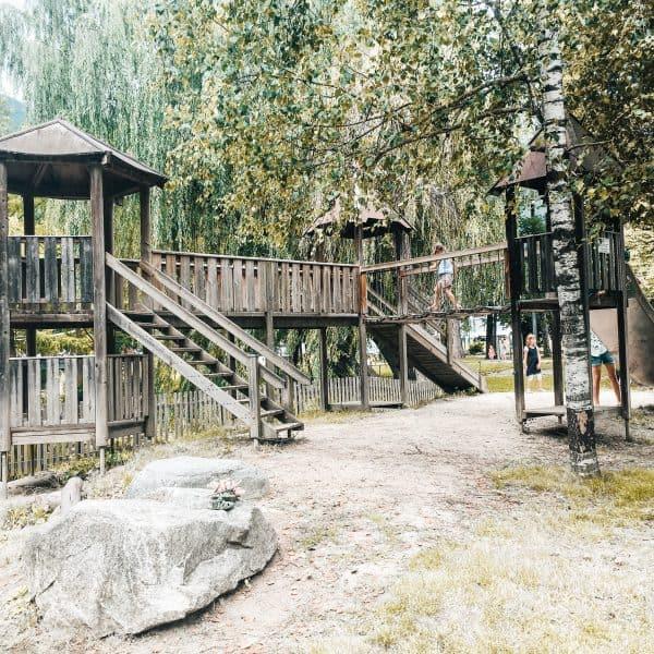 Streichelzoo und Abenteuerspielplatz in Südtirol-kinderfreundliches Restaurant in Brixen Brix 0.1. mit Spielplatz und Streichelzoo