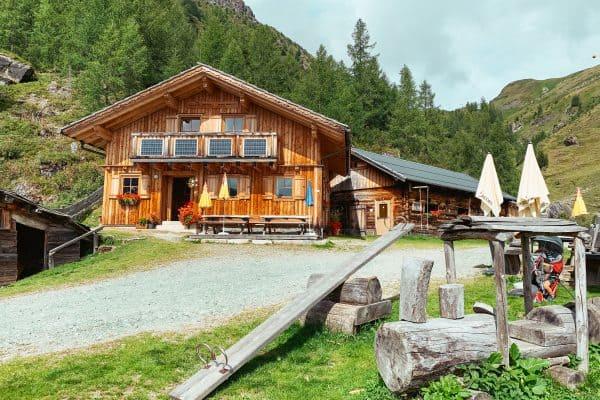 Kärnten mit Kind, Familienwanderung, Hohe Tauern, kinderfreundliche Hütte Eggeralm