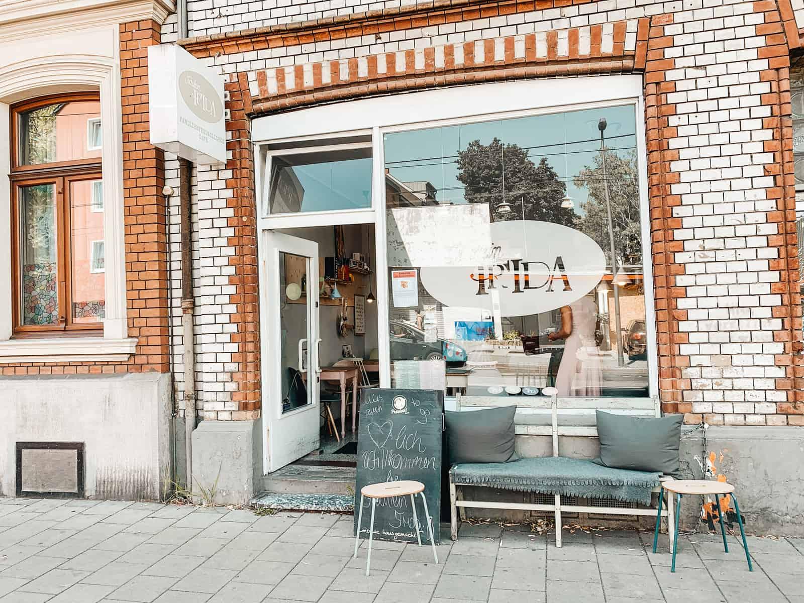 FAMILY-FRIENDLY CAFÉ FRÄULEIN FRIDA IN COLOGNE
