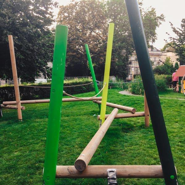 München mit Kind Spielplatz in Bogenhausen Spielplatz Scheinerstrasse_Balancierstation