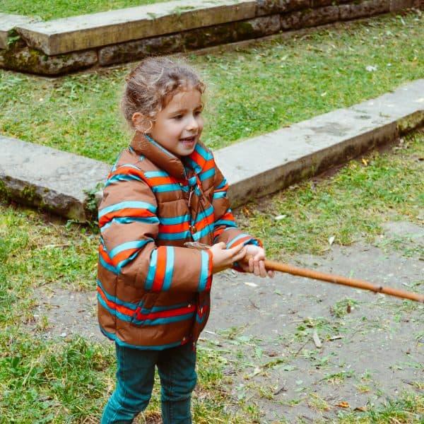 Spielplatz am Ökologischen Bildungszentrum in München mit Kindern
