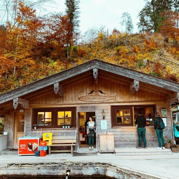 Familienausflug zur Fischaufzucht in Kreuth