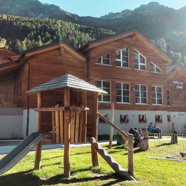 Familienurlaub im REKA Feriendorf Zinal in der Schweiz mit Kindern