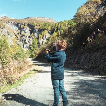 Familienurlaub in Zinal_Wanderung mit Kindern in Zinal Richtung Lac d'Alpitettaz