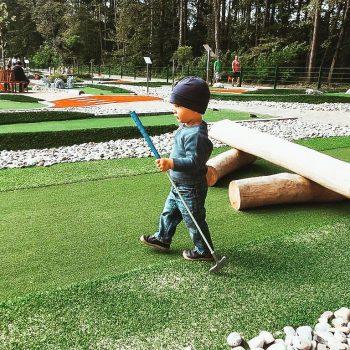 Waldkletterpark Oberbayern mit Minigolf_Ausflugsziel für Familien in München mit Kind8
