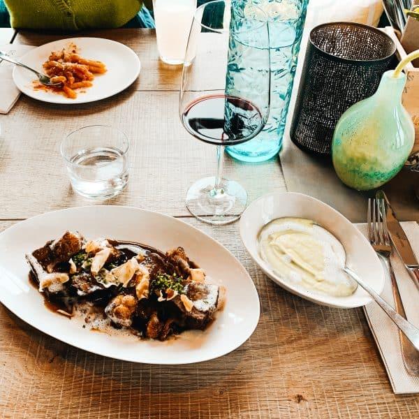 Essen gehen mit Kindern am Tegernsee - gelingt im familienfreundlichen Restaurant der Haubentaucher
