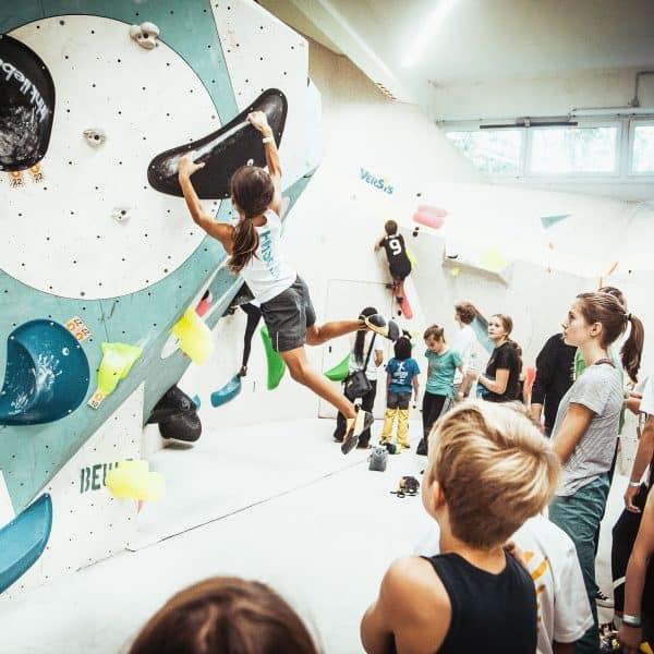 Hamburg mit Kind, familienfreundliche Boulderhalle Flashh in Hamburg, Schlechtwetteraktivität mit Kind