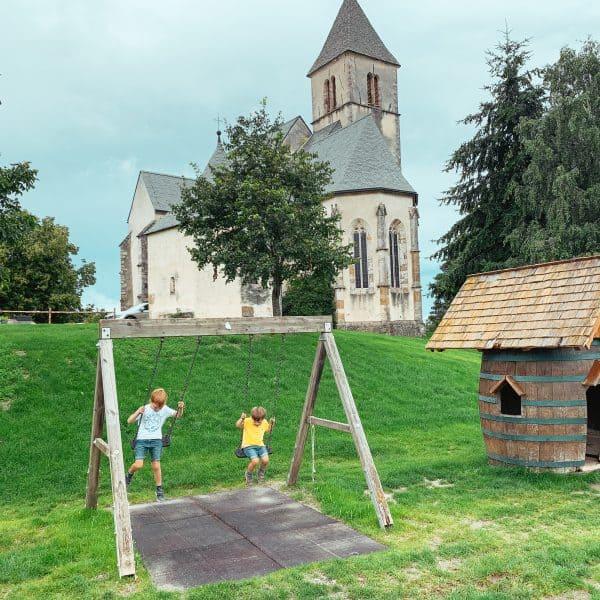 Familienausflug in Kärnten mit Kindern auf den Magdalensberg