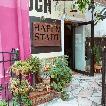 Hafenstadt, Café, Klagenfurt mit Kind