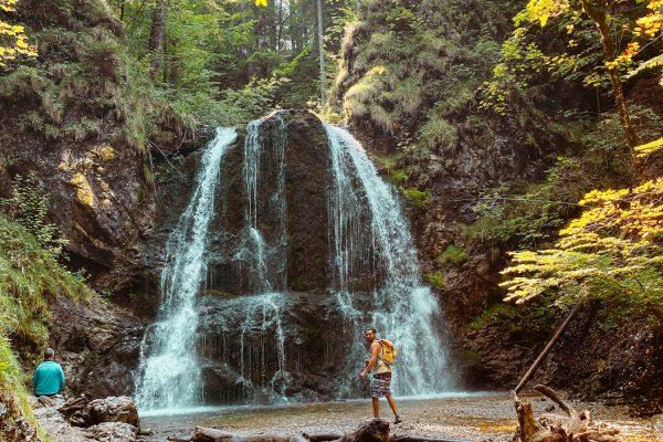Familienwanderung zu den Josefstaler Wasserfälle Wandern mit Kindern
