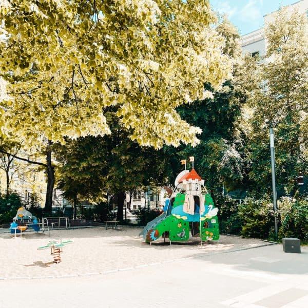 Abenteuerspielplatz Heglerstraße in Magdeburg mit Kindern